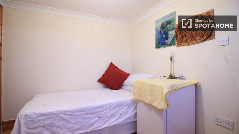 Bedroom 2 with single bed, private bathroom