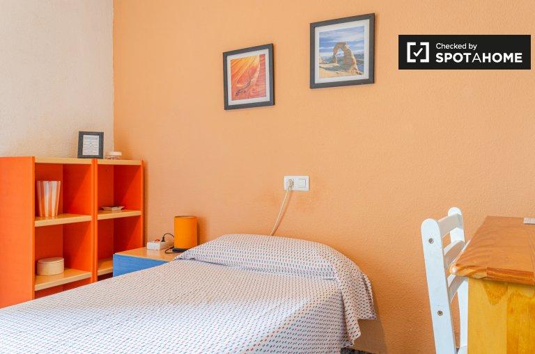 Chambre individuelle à louer, appartement de 3 chambres à coucher, Quatre Carreres