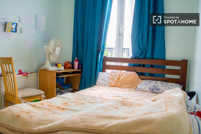 Furnished room in apartment in Castaheany, Dublin