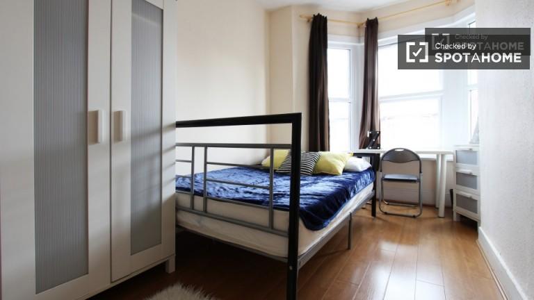 Chambre lumineuse en appartement à Tottenham, Londres