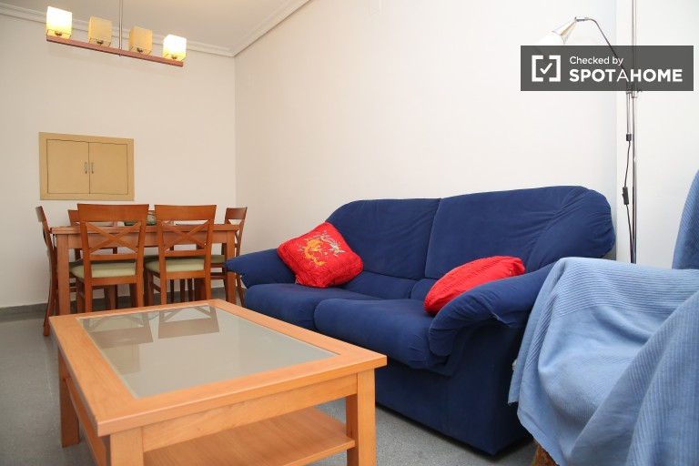 Well presented three bedroom apartment in Nervión
