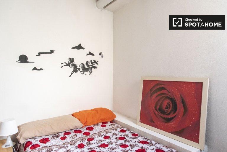 Pokój w 9-pokojowym mieszkaniu w Aurelio, Rzym