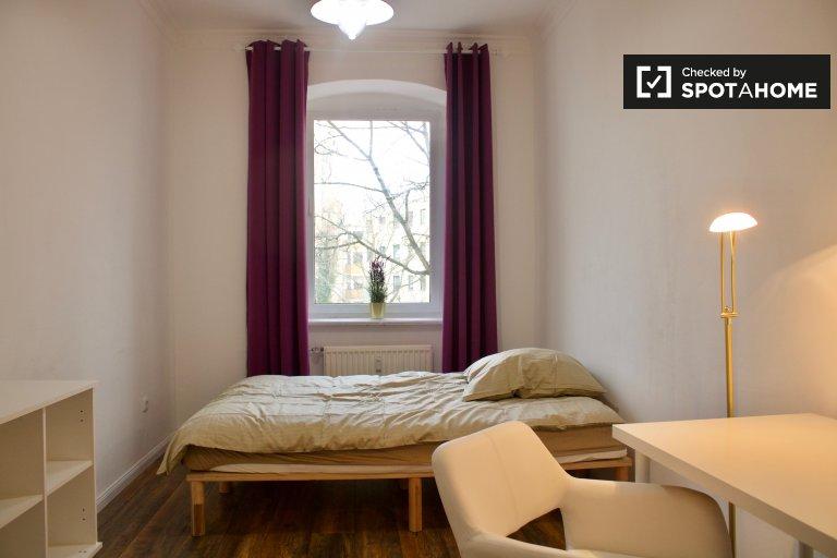 Quarto em apartamento com 4 quartos em Spandau, Berlim