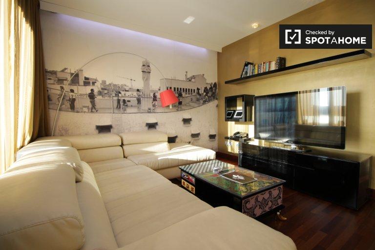 Apartamento de 3 quartos para alugar em Eixample Dreta, Barcelona