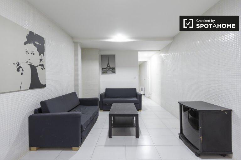 3-pokojowe mieszkanie do wynajęcia w Puerta del Ángel, Madryt