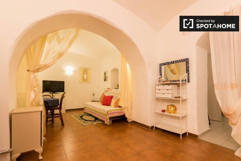 1-bedroom apartment for rent in Trastevere, Rome