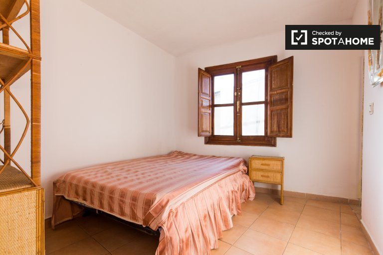 Charming 2-bedroom apartment for rent in Realejo