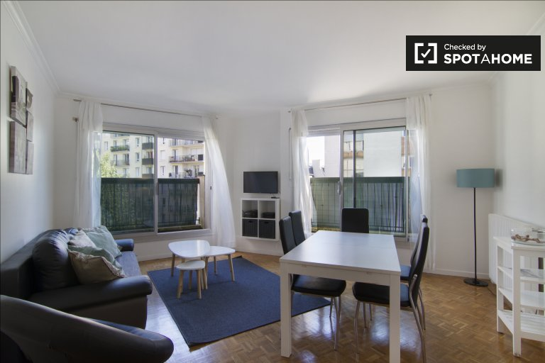 Modern 1-bedroom apartment for rent in Paris 10