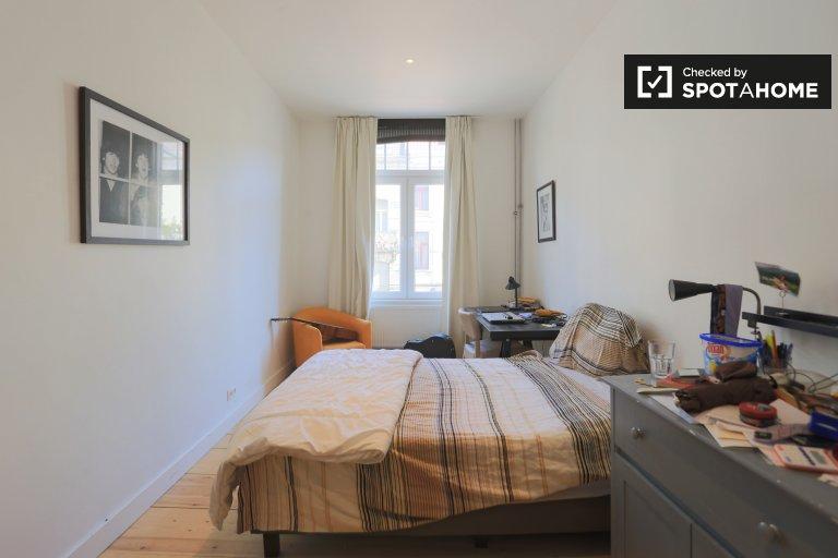 Chambre à louer dans une maison de 4 chambres à Etterbeek, Bruxelles