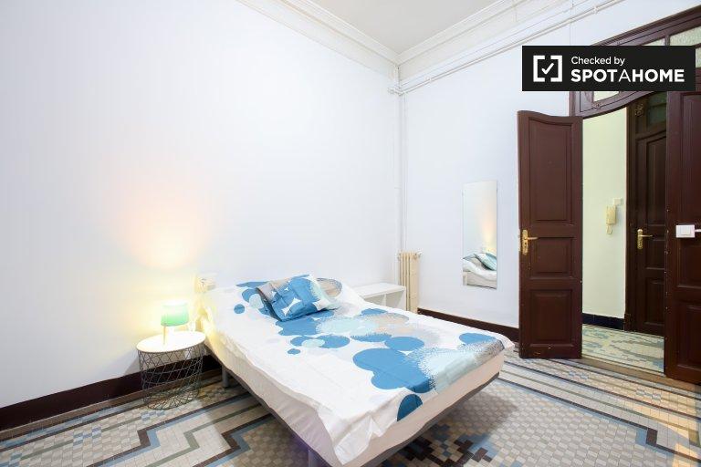 Room in 10-bedroom apartment in Ciutat Vella, Valencia