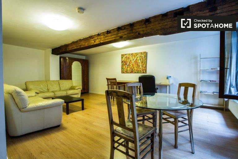 Quaint studio apartment for rent in Brussels City Center