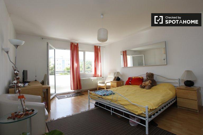 Przestronny apartament typu studio do wynajęcia w Charlottenburg, Berlin
