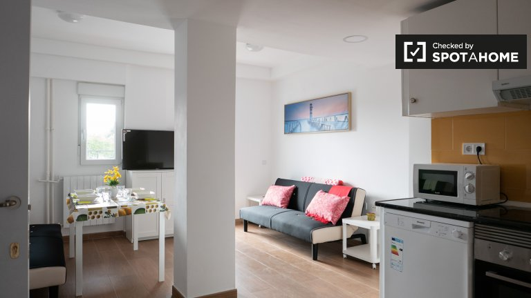 5-pokojowe mieszkanie do wynajęcia w Fuente del Berro, Madryt