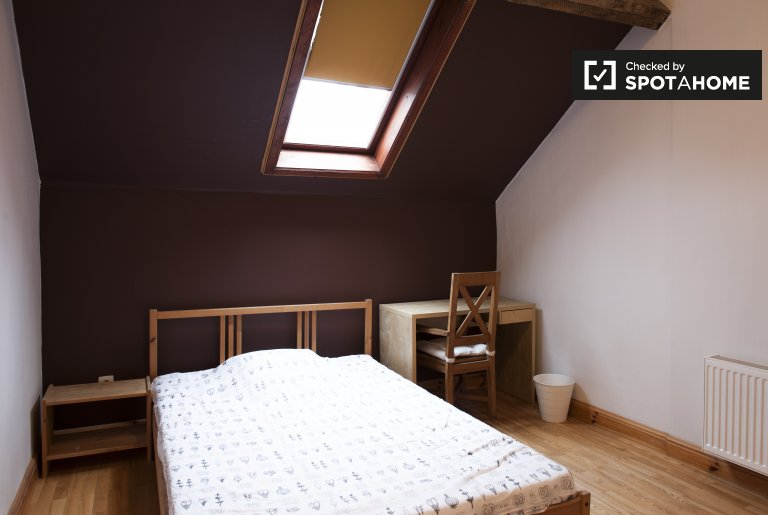 Rooms for rent in 6-bedroom house in Ixelles, Brussels