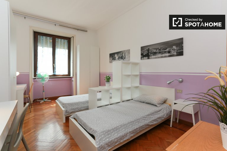 Huge room in 2-bedroom apartment in Bovisa, Milan