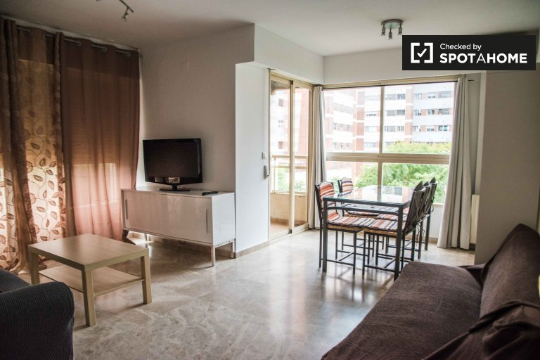 2-pokojowe mieszkanie do wynajęcia w Quatre Carreres w Walencji