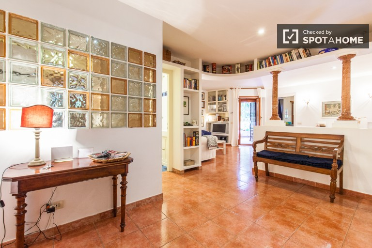 Stylish 1 Bedroom Flat with Utilities in Portuense, Rome
