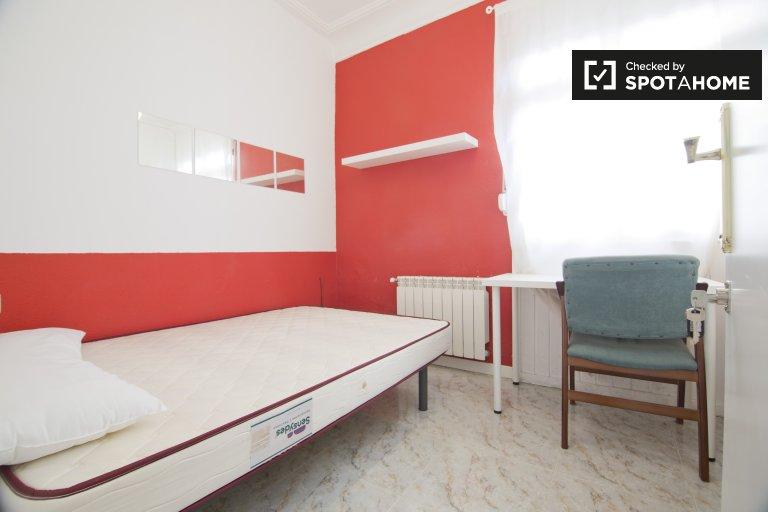 Duży pokój we wspólnym mieszkaniu w Puerta del Ángel, Madryt