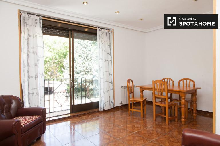 Apartamento de 2 quartos para alugar em Principe Pio, Madrid