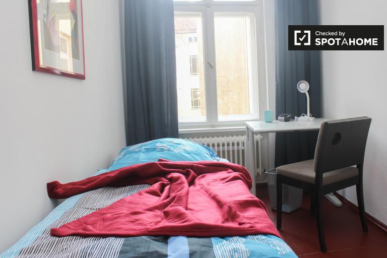 Chambres à louer à appartement de 3 chambres à Wedding, Berlin
