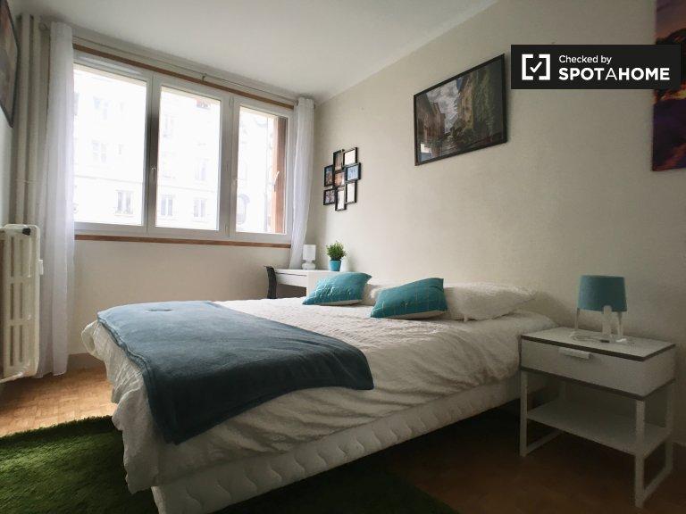 Chambre à louer dans un appartement de 3 chambres dans le 20ème arrondissement
