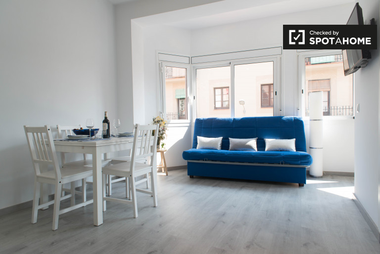 Studio apartment with terrace for rent in Clot, Barcelona