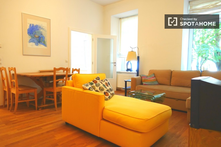Newly renovated 2-bedroom apartment available to rent in Maragreten