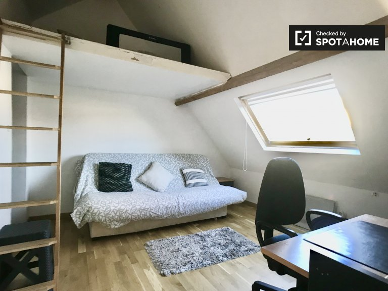 Single room, 2-bedroom apartment, Chennevières-sur-Marne