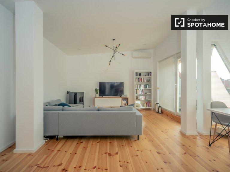 Moderno apartamento com 2 quartos para alugar em Prenzlauer Berg