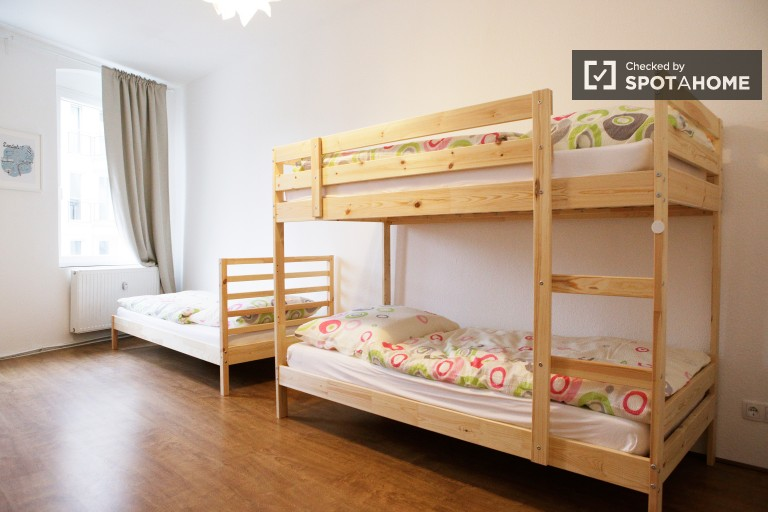 Bedroom 1 - single bed 1