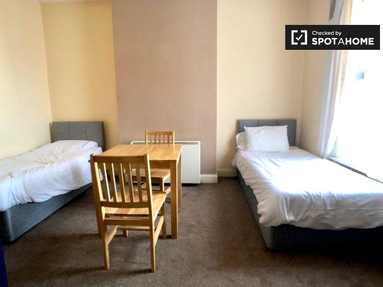Studio flat to rent in Stoneybatter, Dublin