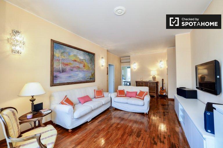 Bonito, elegante apartamento de 1 quarto para alugar em Centrale