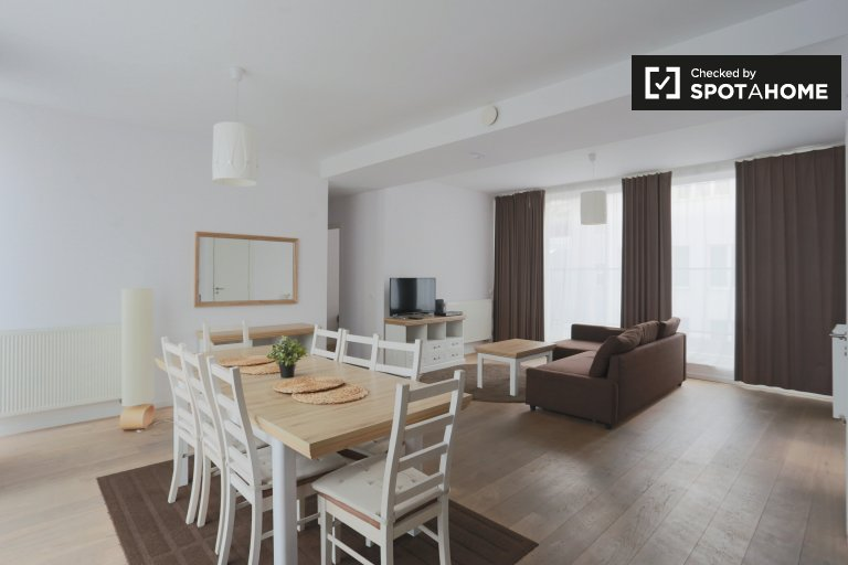 Brüksel Şehir Merkezinde 3 odalı kiralık daire