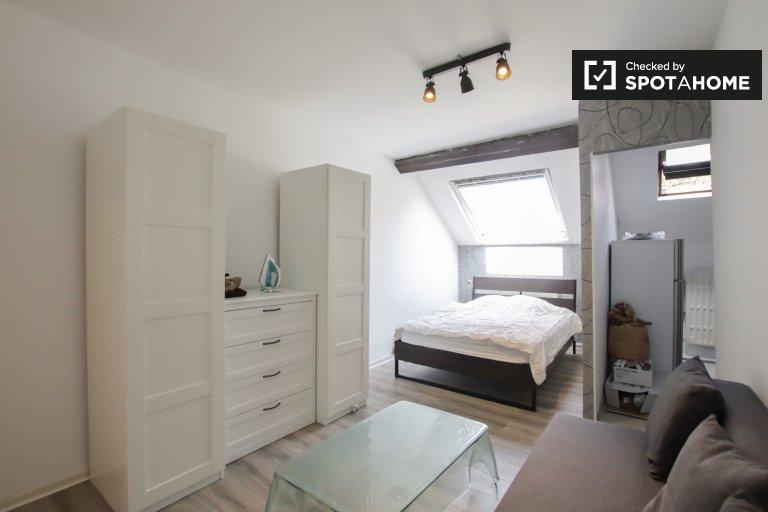 Estudio semi-independiente en alquiler, Ixelles, Bruselas