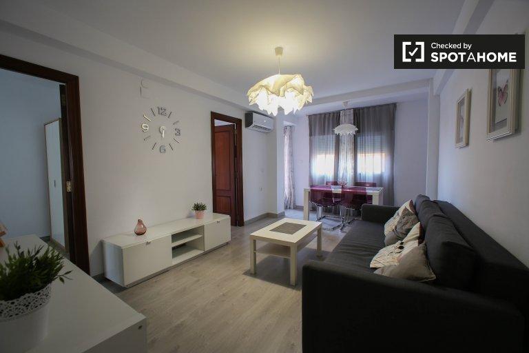 Stylowy 3-pokojowy apartament do wynajęcia w Poblats Marítims