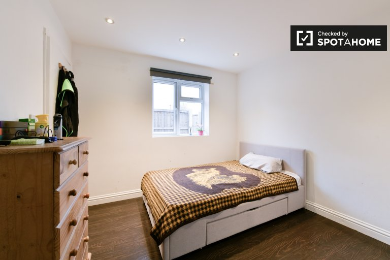 Charming room for rent in Greenwich, London