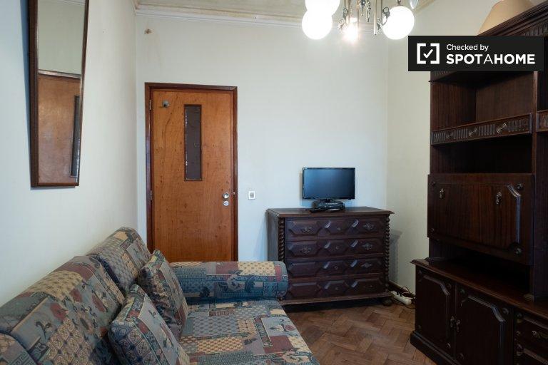 Zimmer zu vermieten in 3-Zimmer-Wohnung in Parede, Lissabon
