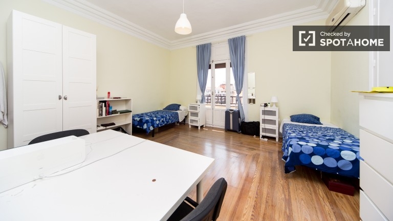 Twin Beds in Rooms for rent in residence hall in Alonso Martínez