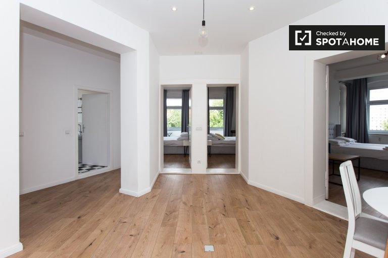 Wohnung mit 3 Schlafzimmern zur Miete in Friedrichshain, Berlin