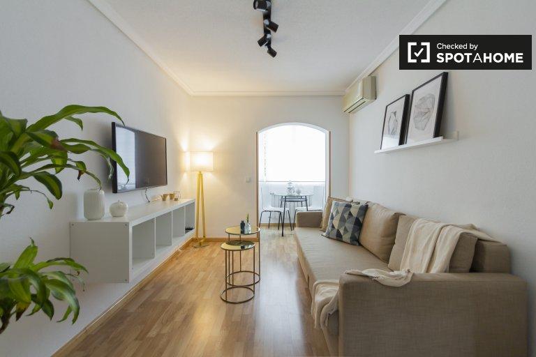 Chic apartamento de 2 quartos para alugar em Barajas, Madrid