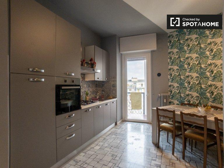 Geräumige 4-Zimmer-Wohnung zur Miete in Rho. Mailand
