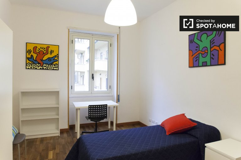 Rooms for rent in 4-bedroom apartment in Monte Sacro, Rome