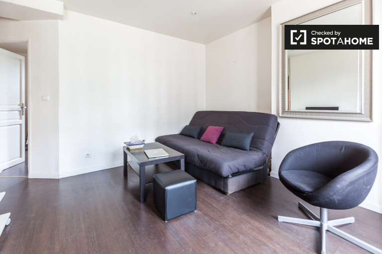 Bright 1-bedroom apartment for rent - Porte de Clichy, Paris
