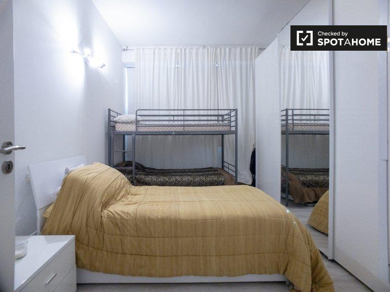 Lits à louer dans un appartement de 2 chambres à Villapizzone