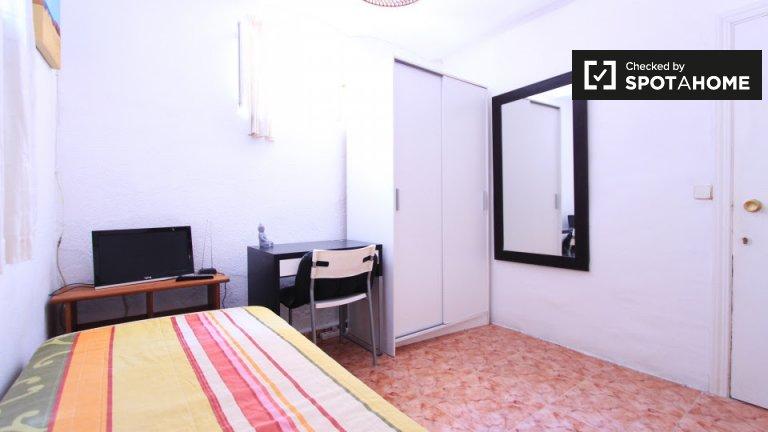 Bedroom 10 - single bed