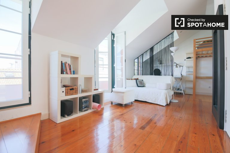 Studio apartment for rent in Principe Real, Lisbon