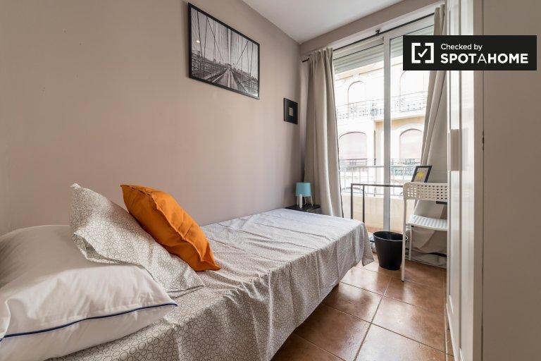 Acogedora habitación en un apartamento de 7 dormitorios en Ciutat Vella, Valencia