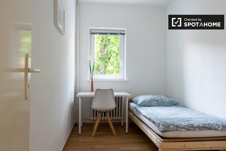 Quarto em apartamento com 5 quartos em Reinickendorf, Berlim