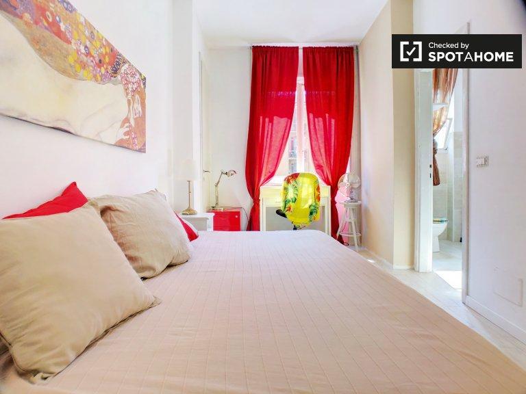 Quarto espaçoso em apartamento em Lorenteggio, Milão