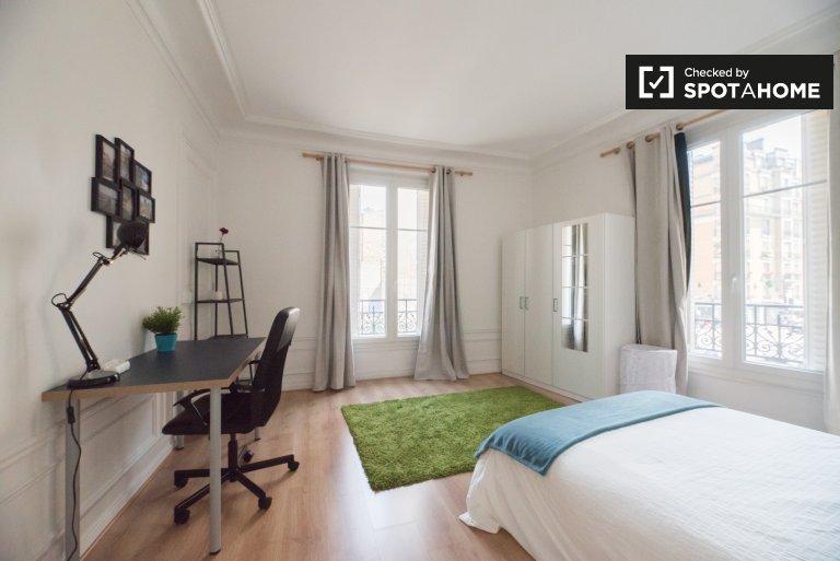 Chambre à louer dans un appartement de 3 chambres à Montmartre, Paris